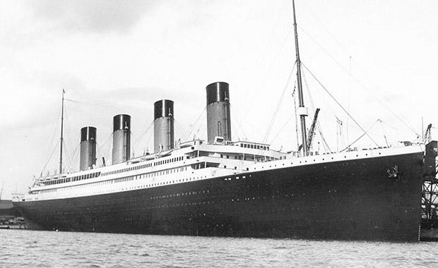 침몰된 타이타닉에서 단 세마리의 강아지가 살아남았는데, 포메라니언 2마리와 페키니즈 1마리였습니다.